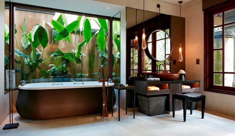 We wouldn't mind a few nights spent in this Bali villa. facebook.com/mandaparitzcarltonreserve