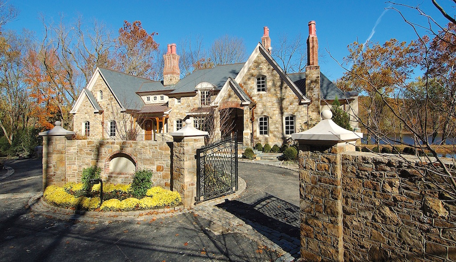 Photos via Zillow.com