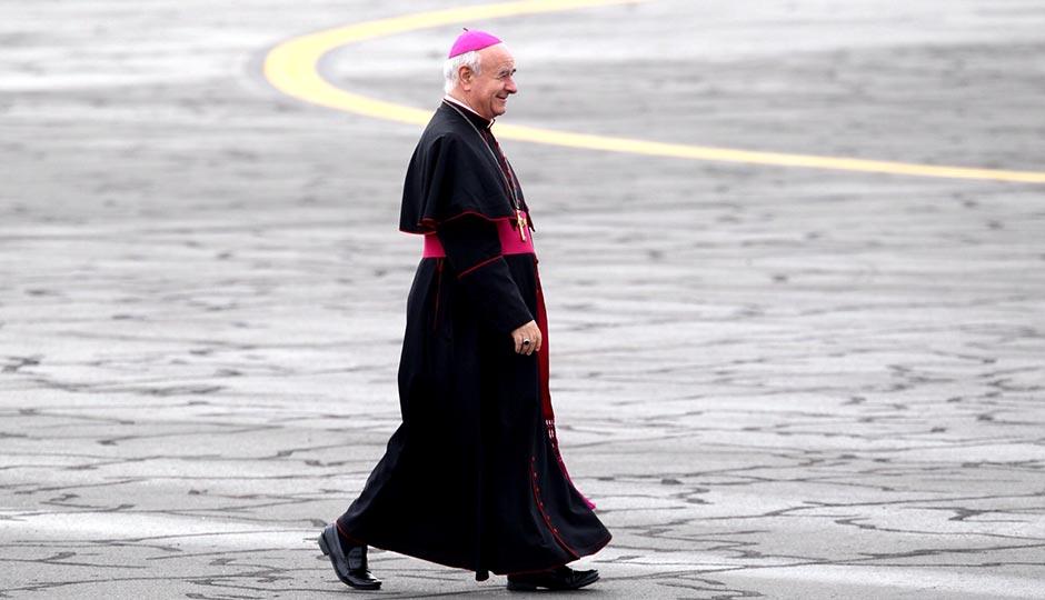 pope-arrival-cardinal-jeff-fusco-940x540