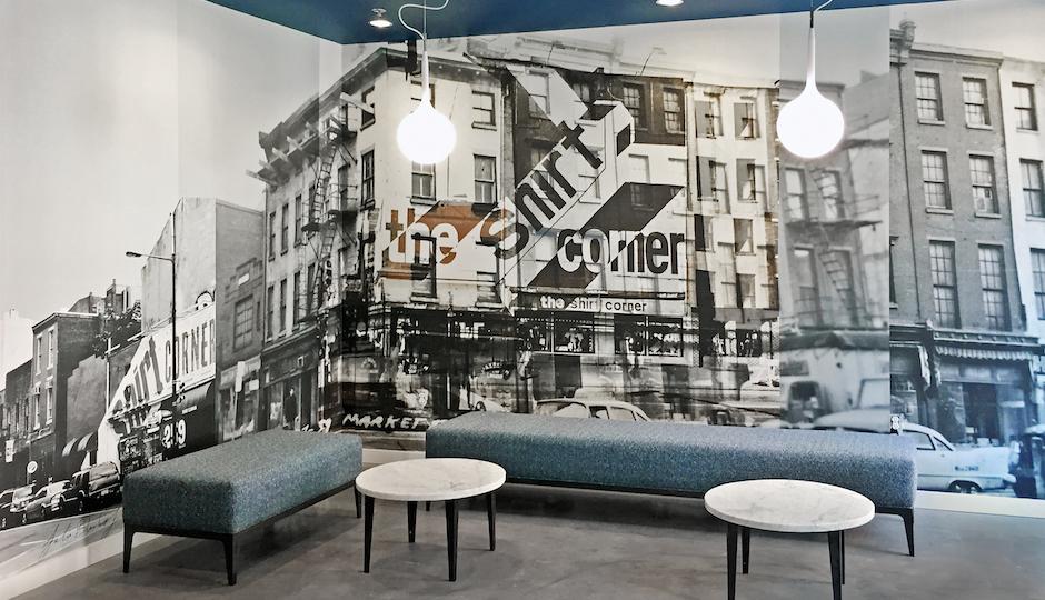 Corner lobby in the Shirt Corner Apartments. | Photo by Julia Blaukopf.