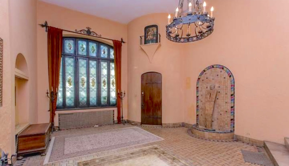 TREND images via Zillow.com/Maxwell Realty Co.