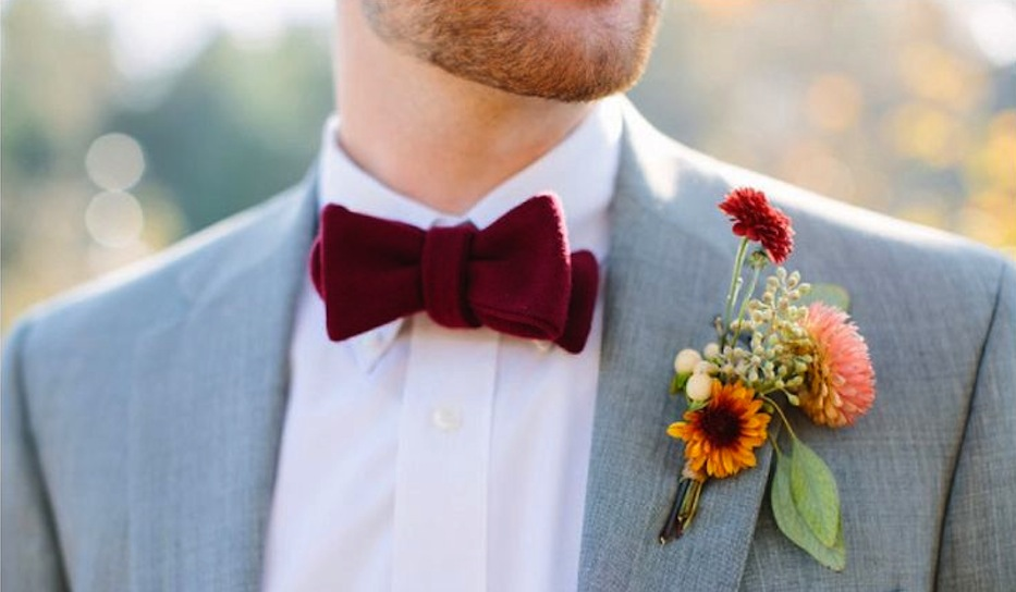 This groom pulls off the color combo quite nicely.