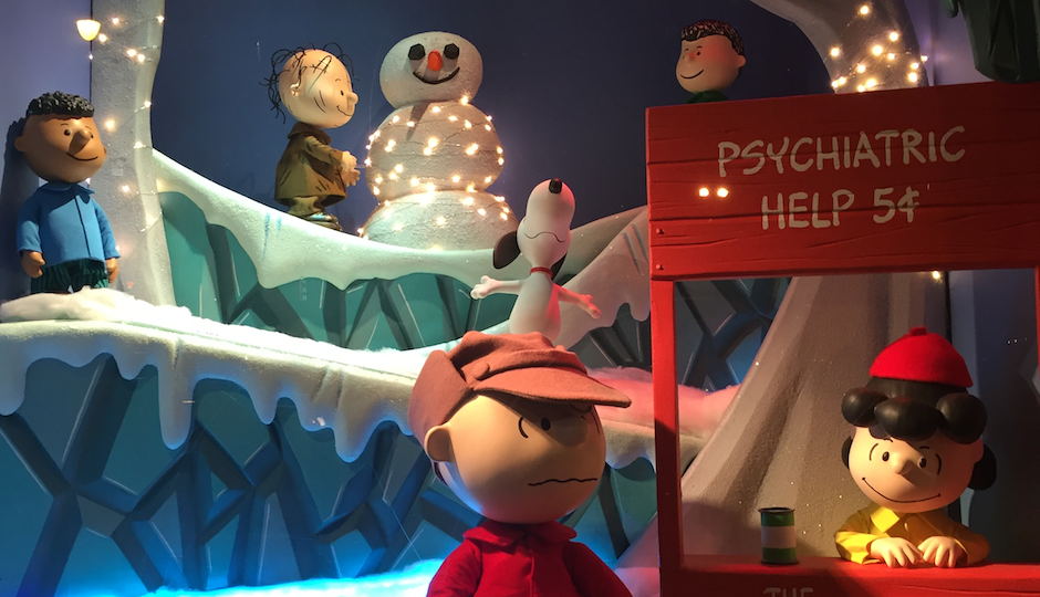PHOTOS: Macy's Adorable Peanuts-Themed Holiday Window Display ...
