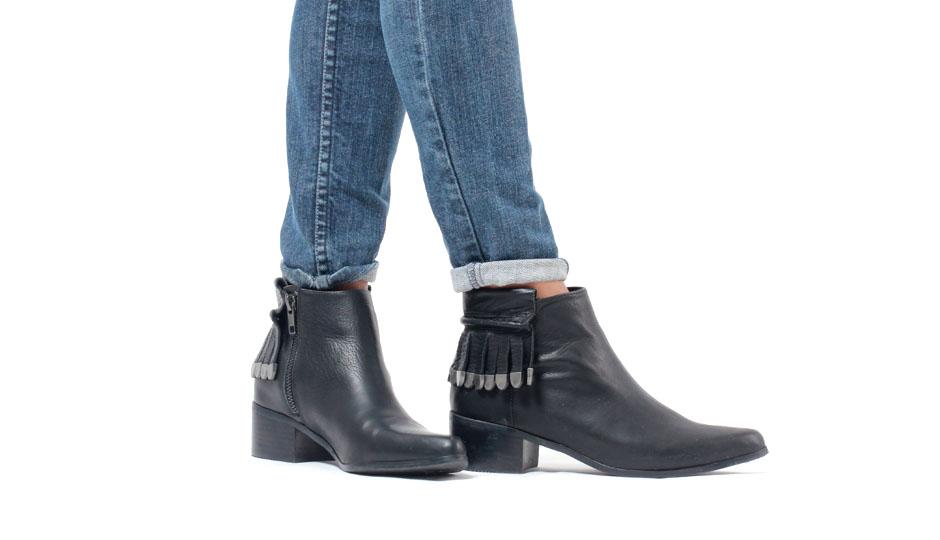 Shoes_Adjua