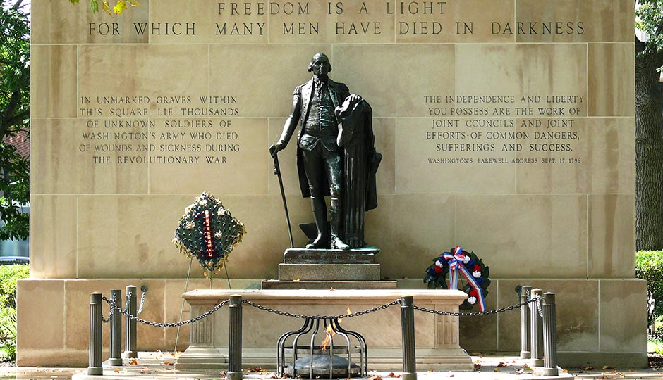 """""""Tomb of the Unknown Revolutionary War Soldier-27527"""" by Ken Thomas - KenThomas.us(personal website of photographer). Licensed under Public Domain via Commons."""