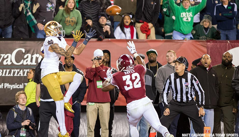 Notre Dame Fighting Irish wide receiver William Fuller (7) catches a pass for a touchdown over Temple Owls safety Will Hayes (32) in the fourth quarter at Lincoln Financial Field. Notre Dame won 24-20.