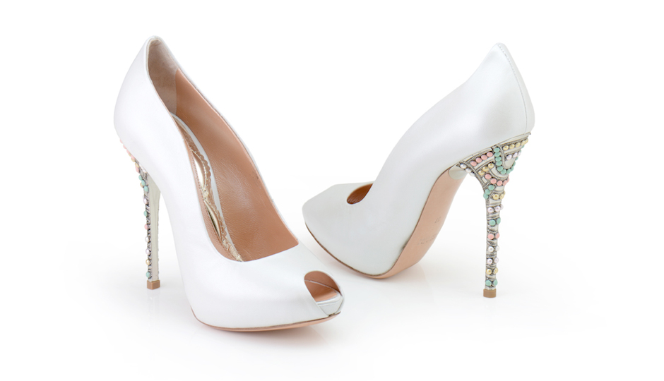 Candy heel in pearlized leather.