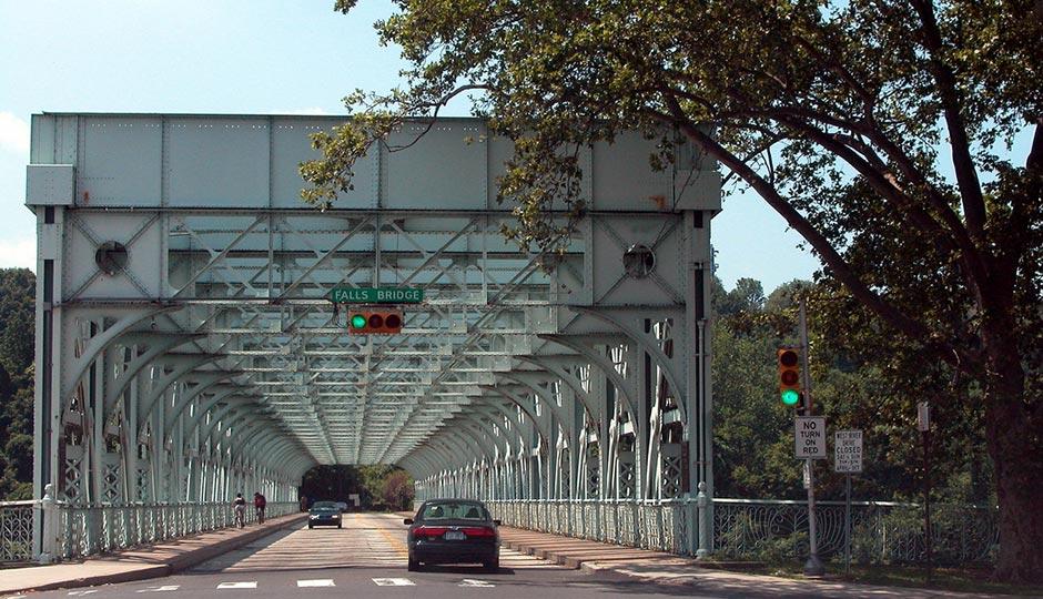 Falls Bridge | David Wilson under a Creative Commons license.
