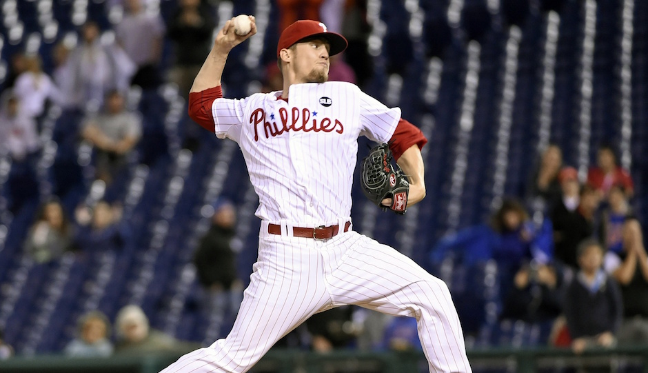 Sep 30, 2015; Philadelphia, PA, USA; Philadelphia Phillies relief pitcher Ken Giles (53) throws a pitch during the ninth inning against the New York Mets at Citizens Bank Park. The Phillies defeated the Mets, 7-5. | Eric Hartline-USA TODAY Sports