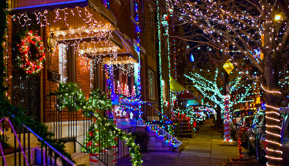 South philly makes list of best christmas lights in the u for Best cities to visit at christmas in the us