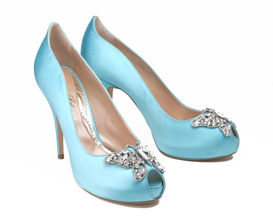 Farfalla pump in Tiffany blue satin.