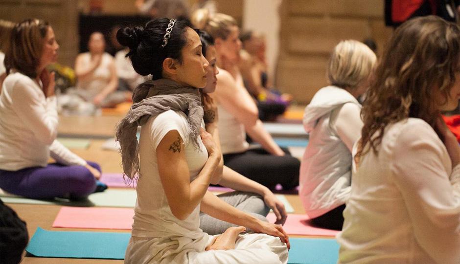 Yoga White Party 2014 | Photo via Facebook, Philadelphia Art Museum