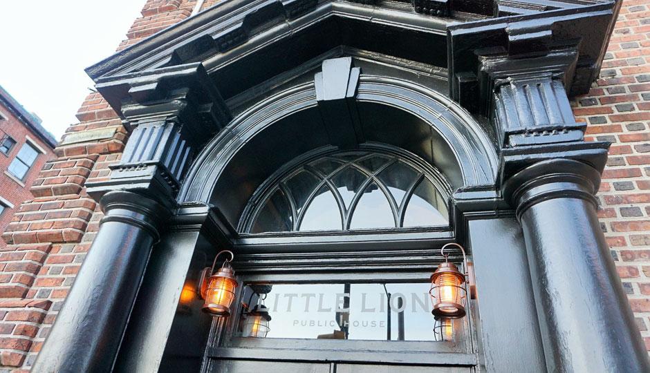 little-lion-Chestnut-Street-Entrance