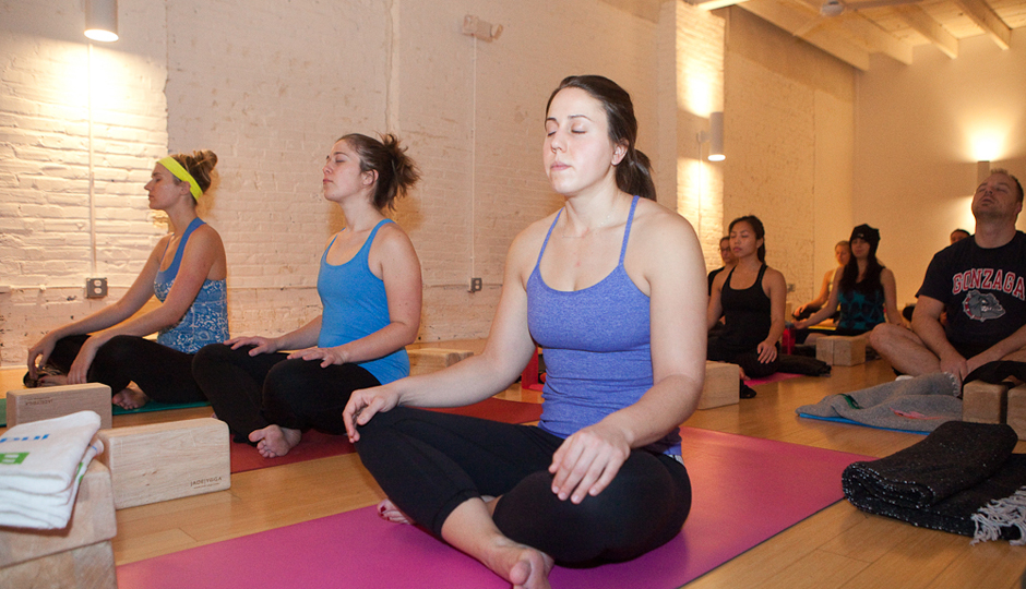 Be Well Philly Underground Throwback Hip-Hop Yoga | Photo by Susan Nam