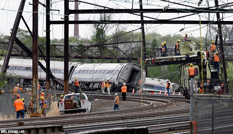 """A """"caution"""" signal would have kept Amtrak 188 from jumping the tracks on the curve at Frankford Junction. But Amtrak only gave that signal to southbound trains, not eastbound ones."""
