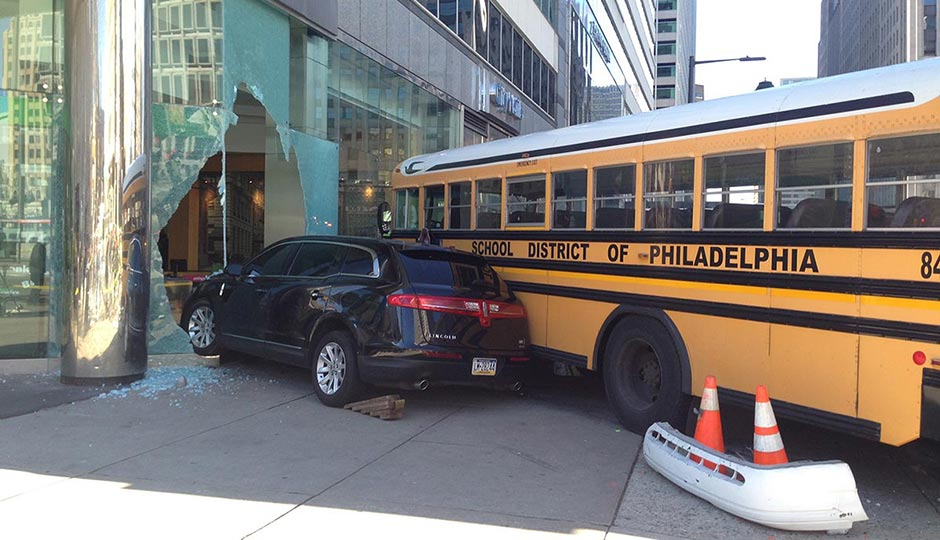 bus-taxi-crash-3-940x540