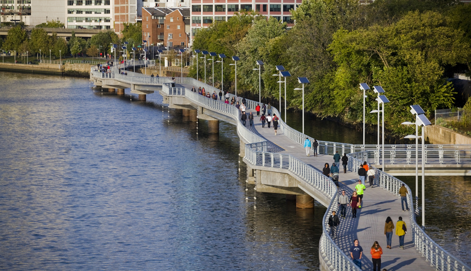 Schuylkill Banks Boardwalk | Photo by M. Edlow for Visit Philadelphia™
