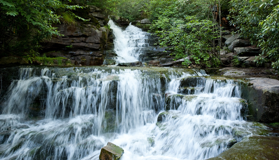 Hikes Near Philadelphia With Waterfalls and Gorgeous Views: Glen Onoko Falls Hike | Photo by Flickr user Ben Yanis