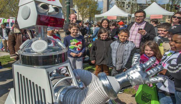 Philadelphia Science Festival's Science Carnival. Photo by R. Kennedy for Visit Philadelphia