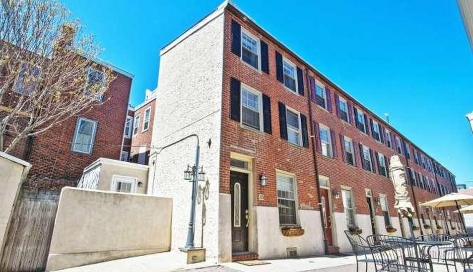 525 Fitzwater St. #15, Philadelphia, Pa. 19147