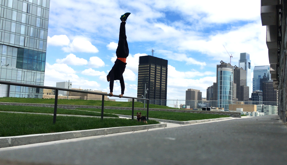 Trainer Jordan Hankins making the most of Cira Green (Don't try this at home kids.)