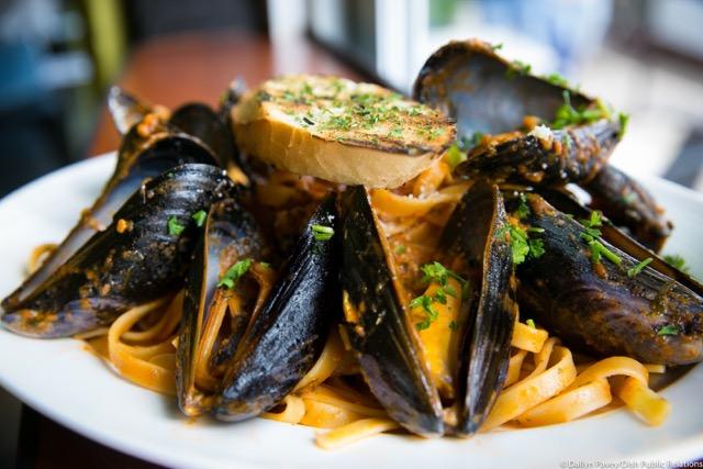 Spaghetti Mussels Marinara 23