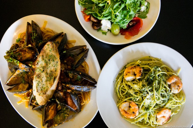 Salad, Mussels and Linguini with Shrimp