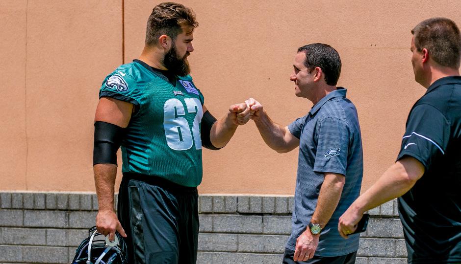 Jason Kelce and Howie Roseman. (Jeff Fusco)