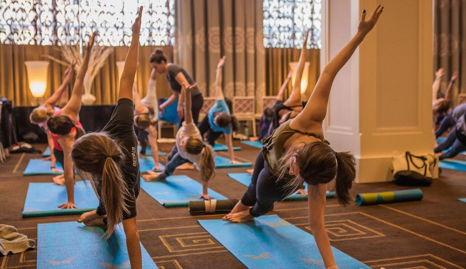 Yoga at Hotel Monaco | Joe Longo Photography