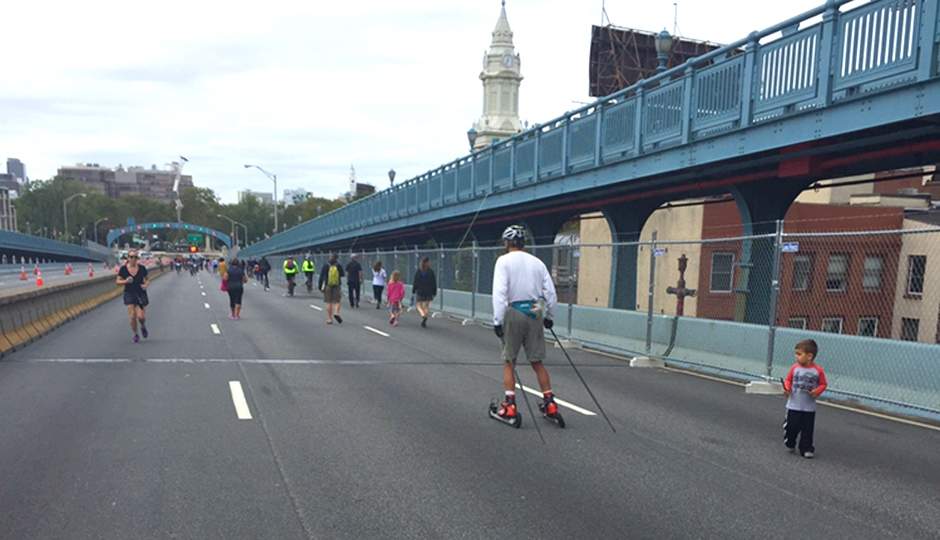 The car-free Ben Franklin Bridge during Pope Francis's visit | Photo by Adjua Fisher