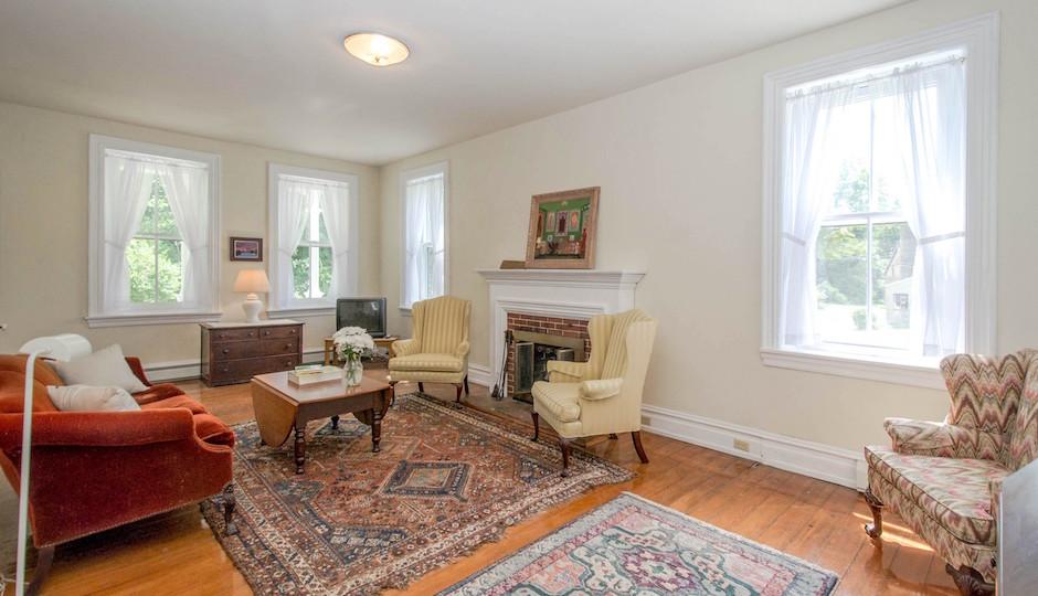 Living room 940x540