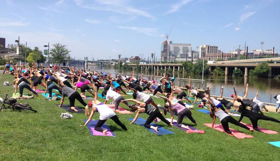 Best Philadelphia Fitness Events: Yoga on the Banks | Photograph by Erin Gautsche