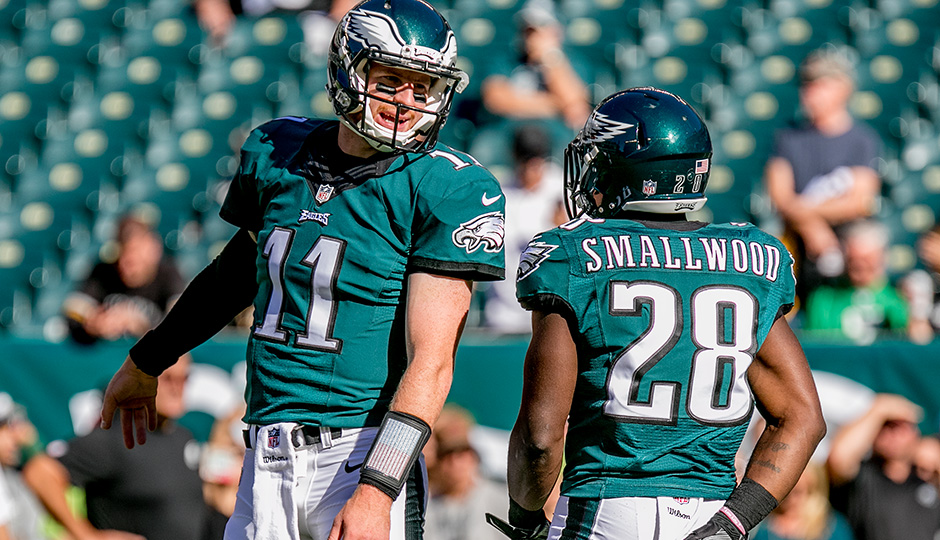Carson Wentz and Wendell Smallwood. (Jeff Fusco)