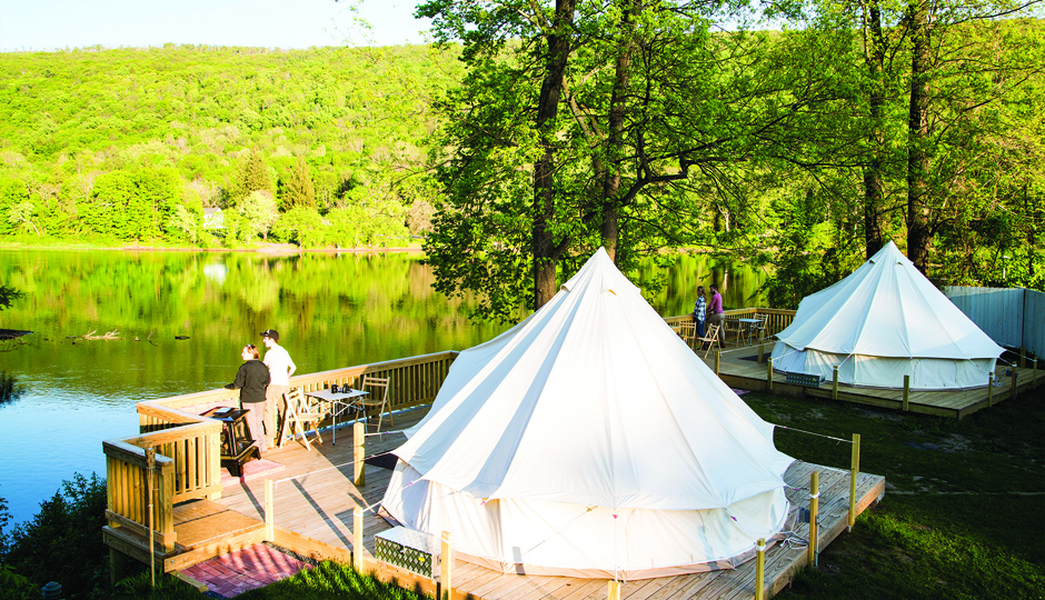 A riverside tent at the Shawnee Inn and Golf Resort | Photo courtesy Shawnee Inn