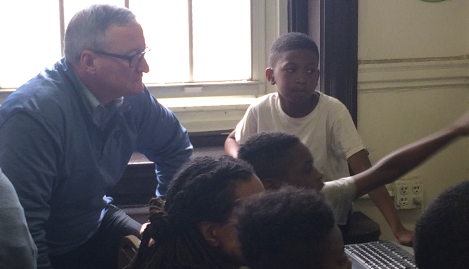 Mayor Kenney at a Coded by Kids workshop. Photo courtesy of Coded by Kids.