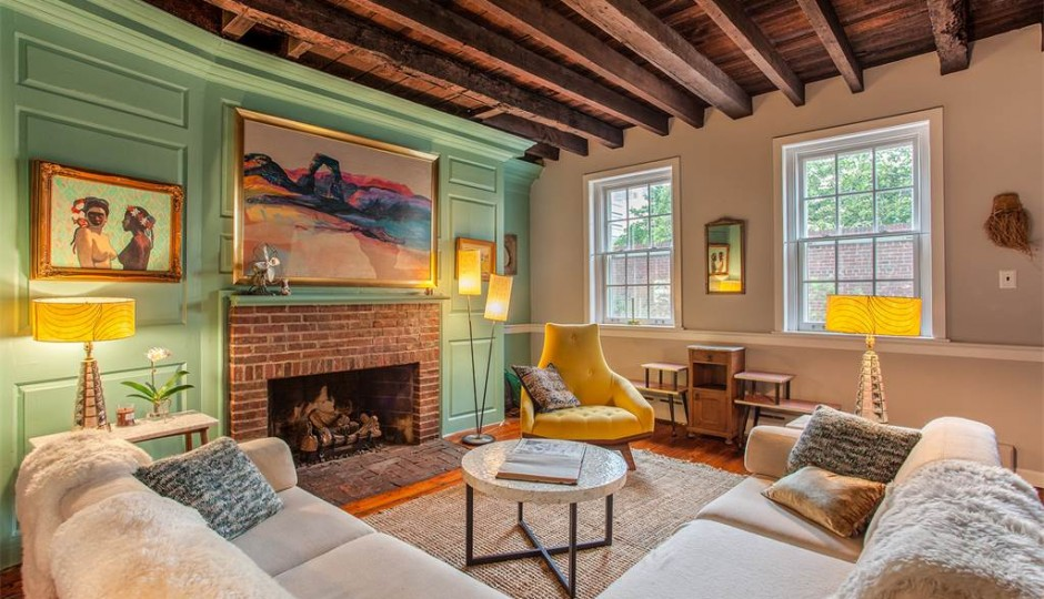 2 Loxley Ct., Philadelphia, Pa. 19106 | Images via Kurfiss Sotheby's International Realty