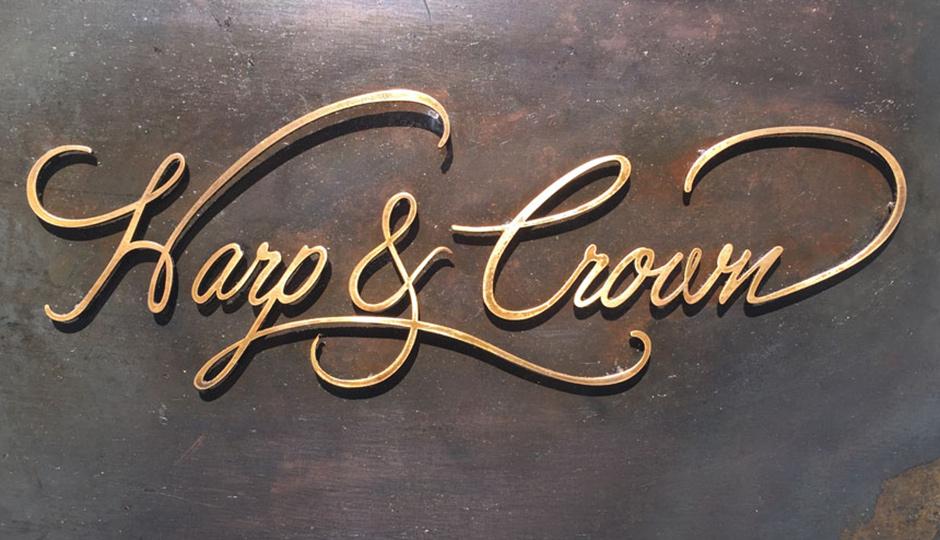 harp-crown-door-sign-940