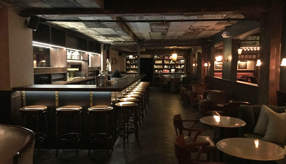 The Elbow Room Bar at Harp & Crown
