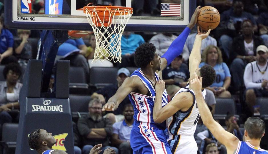 Joel Embiid blocks Wade Baldwin's shot in the Grizzlies 121-91 preseason victory | Nelson Chenault-USA TODAY Sports