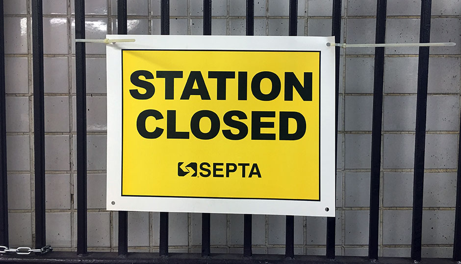 Station Closed sign at Spruce Street entrance