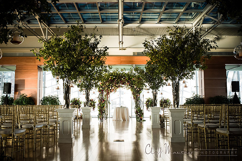 A ceremony setup in the Hamilton Rooftop Garden at the Kimmel Center. Photo by Cliff Mauntner.