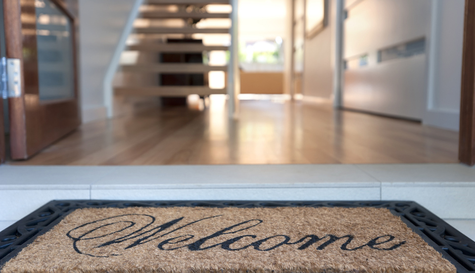 7 Smart Tips for Staging a Home to Sell Fast | Property