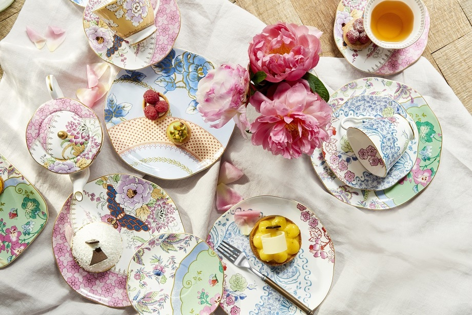 You can register for this Wedgewood prettiness at our Bridal Brunch at Bloomingdale's on April 30th.