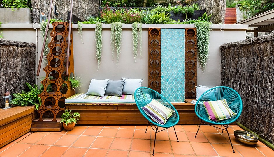The Inspiration: A coolly laid-back patio by Australian-based Quercus Gardens | Photo: Robert Walsh Photography/Landsberg Garden Design