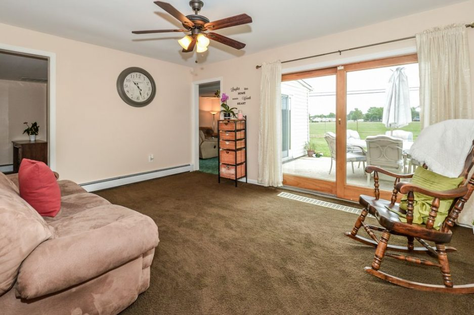 First Time Find Something Extra In Levittown For 295k