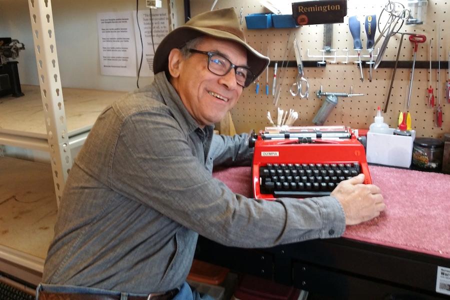 Philly Typewriter Opens Typewriter Store In South Philadelphia