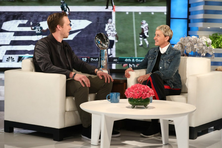 Brilliant Nick Foles Makes An Appearance On The Ellen Show Ocoug Best Dining Table And Chair Ideas Images Ocougorg