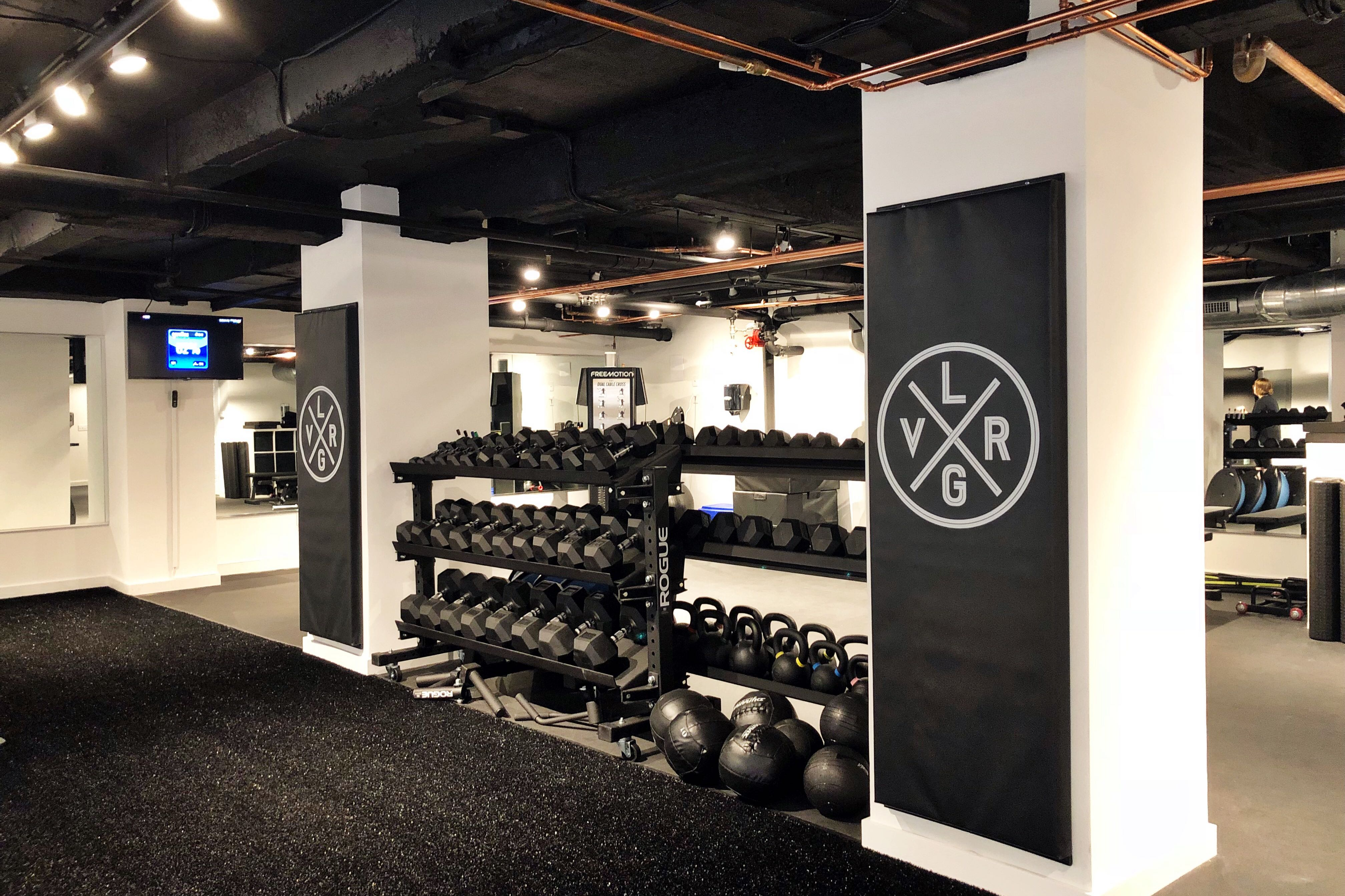 eff0921a5f001 This New Small Group Training Gym Is Perfect for People Who Can't Afford a  Personal Trainer