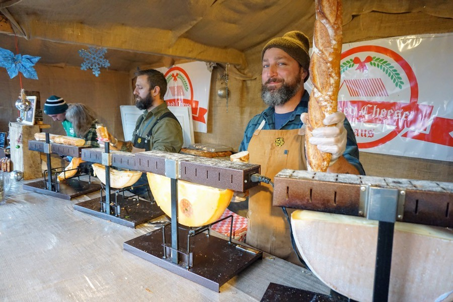 Philadelphia Christmas Market.What To Eat And Drink At Christmas Village In Philadelphia S
