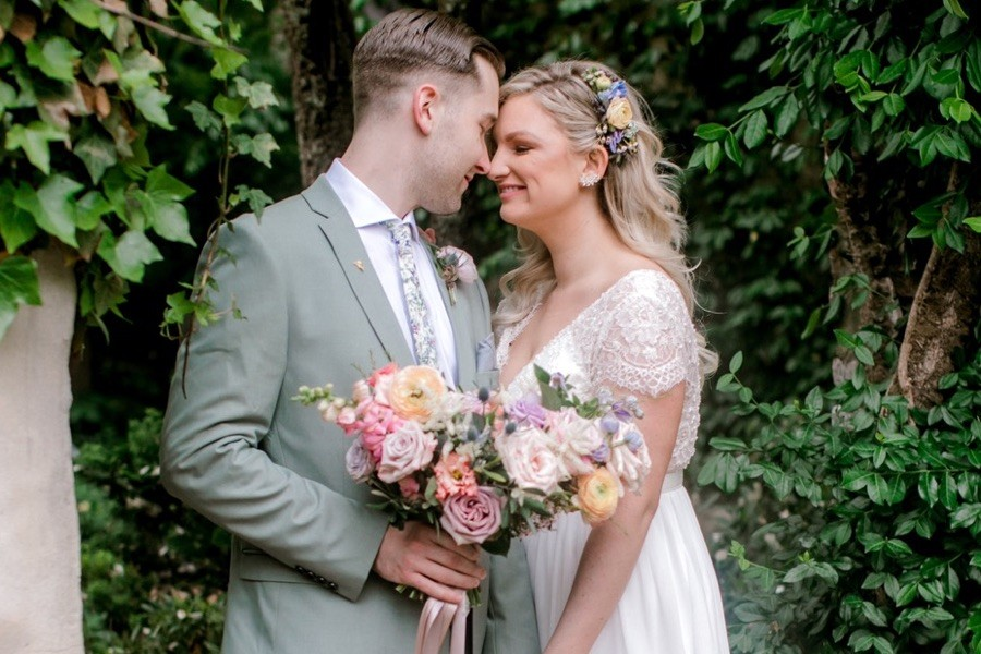 4aa964d9343c A Whimsical Garden Wedding at Old Mill in Rose Valley